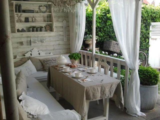 Come arredare il giardino in stile shabby chic accessori - Accessori per il giardino ...