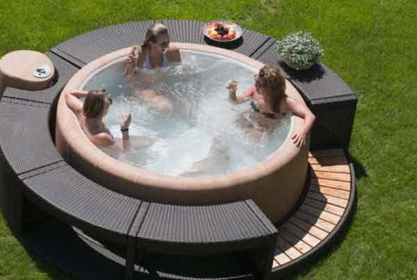 piscina idromassaggio fuori terra