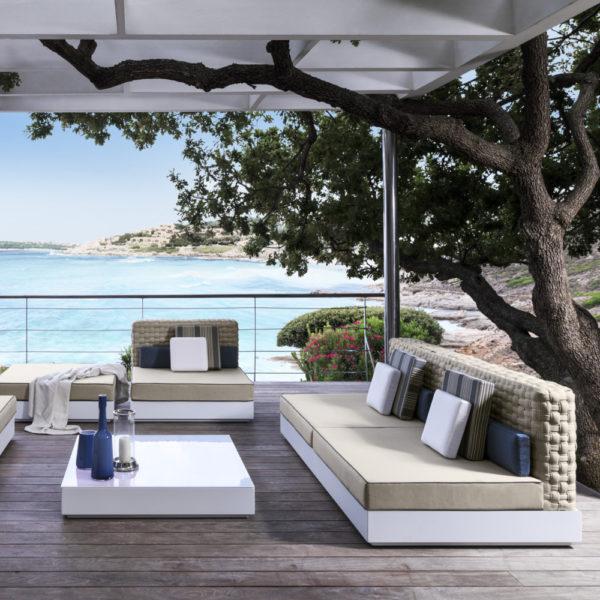 Come arredare il giardino moderno accessori per esterno for Mobili giardino terrazzo