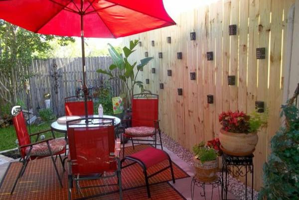 ombrellone rosso da giardino