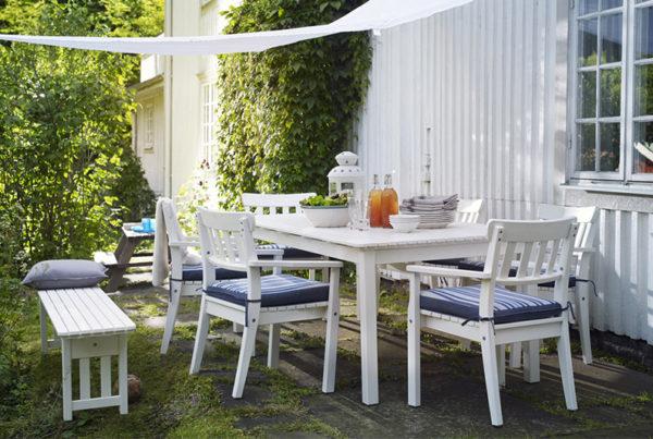 tavolo e sedie legno bianco per giardino
