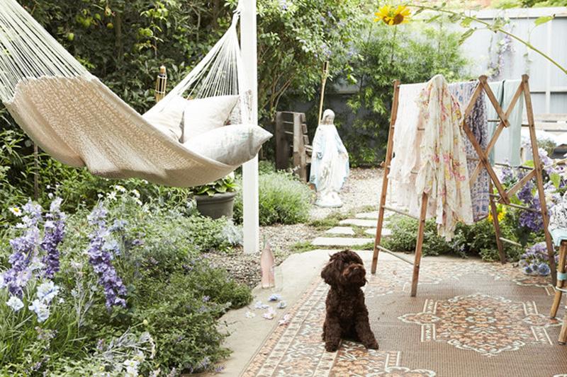 Come arredare il giardino in stile shabby chic accessori - Shabby chic giardino ...