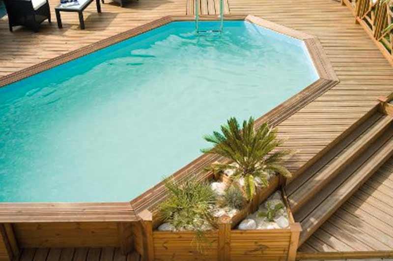 Le piscine fuori terra in legno accessori per esterno for Faretti per piscine fuori terra